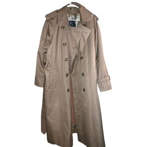 Burberry Trench Coat XL